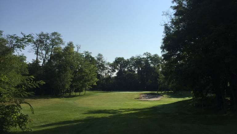 8 terenuri de golf aproape de România…