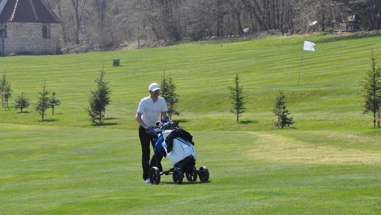 Număr de pași și kilometri parcurși: cifrele unei runde de golf